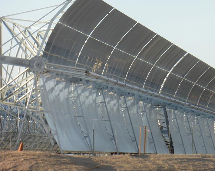 Parabolic-Reflector-Solar-Power-Plant