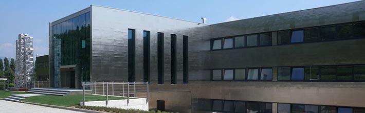 Fassade aus Duplex Edelstahl